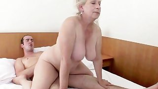 HORNY MATURE VUBADO COUPLE SEX